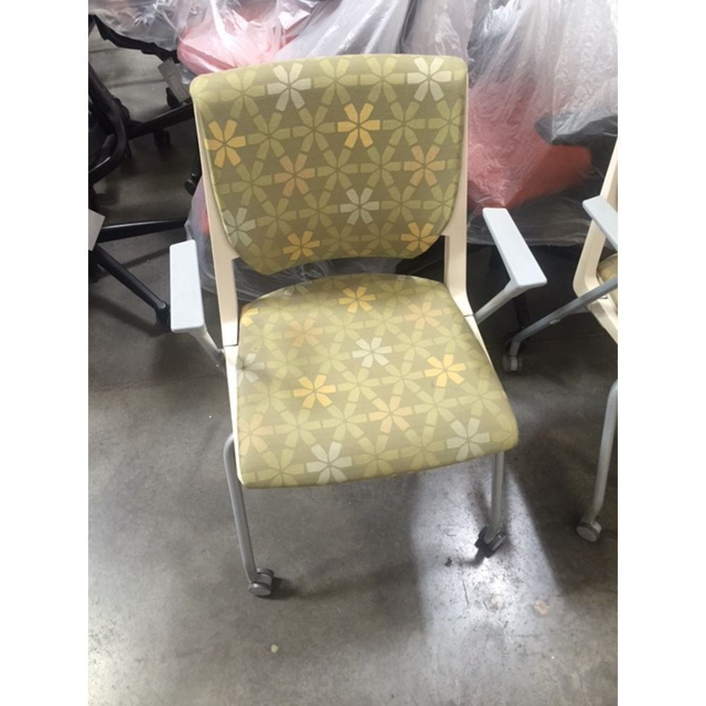 Haworth Very guest chair with wheels green